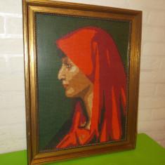 PORTRET DE FEMEIE , superb TABLOU CUSUT , rama lemn  / GOBLEN 46 x 36 cm