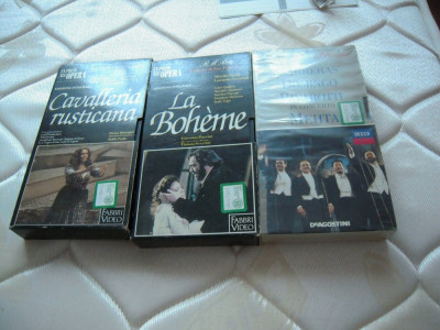 LOT de 3 Casete video VHS originale cu opere si tenori celebrii, prov.  Italia foto