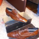 Pantofi bărbați mărimea 42, Maro