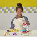 Set Jucarii Play Doh Spinning Treats Mixer