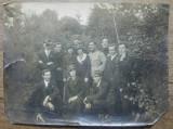 Ofiteri cu prieteni, chipie Posta// fotografie, Portrete, Romania 1900 - 1950