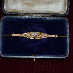 BROSA AUR 18K cu Diamant Oval de 0.50ct - Art Deco -Vintage - 5g. - Deosebita !