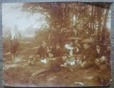 Ofiteri la padure, cu lautari// fotografie, Portrete, Romania 1900 - 1950