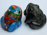 Doua BROSCUTE / BROASTE ceramica / portelan - NOROC