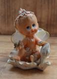 Figurina veche din alabastru,pictata manual, figurina copil #691