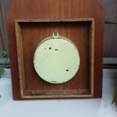 Ceas mecanic de perete