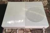 XBOX ONE (S) - Slim, Vand carcasa alba stare impecabila !