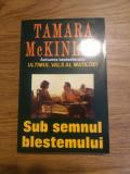 Cumpara ieftin Sub semnul blestemului de Tamara McKinley