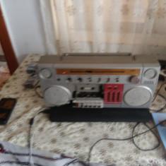 Mecanism de la un Radiocasetofon 4  HP Stereo