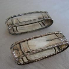 Doua inele din alpacca prevazute pentru servetele, anii 1930