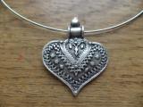 Colier /colan cu pandantiv inima de turta dulce din zamac argintat si antichizat