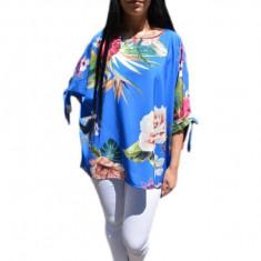 Bluza de culoare albastra cu imprimeu de flori mari multicolore, 42, 44, 46, 48, 50, 52, 54, 56, 58, Albastru