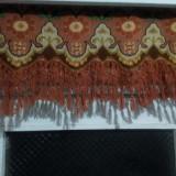 Draperii cusute manual cu franjuri din material natural taranesc