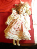 Papusa de colectie - cap, maini ,picioare- portelan, rochita cu volanase ,h=40cm