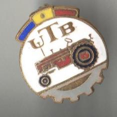 UTB - UZINA  de TRACTOARE BRASOV -  INDUSTRIE ROMANEASCA   -  Insigna RSR