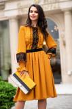 Rochie clos de zi galben-mustar brodata