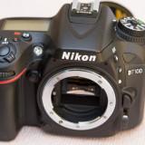 Body Nikon D7100+blitz Nikon Speedlight SB-600+obiectiv 18-70mm