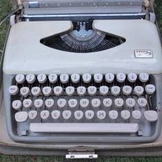 Masina de scris portabila Adler Tippa