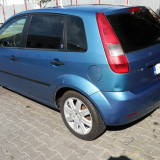 Ford Fiesta MK5 1.6 16V model Ghia 2002 Benzina EURO4 1399Euro, Albastru