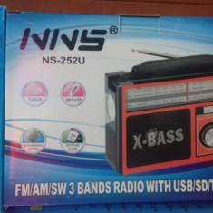 Radio portabil cu USB / SD și lanternă NS-252U