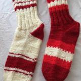Ciorapi de lana, lucrati manual