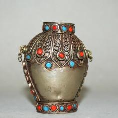 Recipient vechi pentru parfum sau ulei volatil alama cromata pietre semipretioas