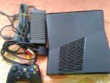 Vand XBOX 360 slim ,250 gb ,1 maneta ,stare foarte buna