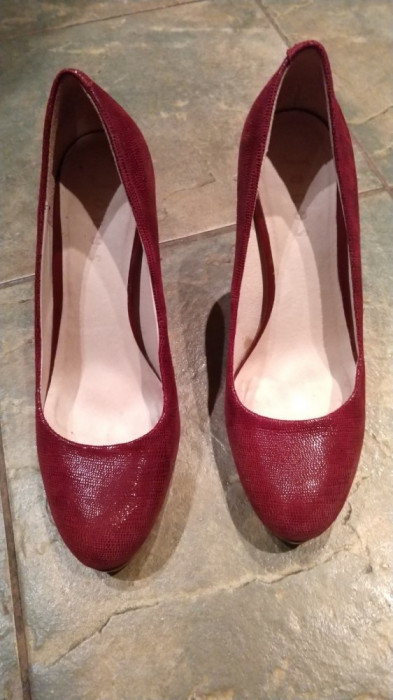 Vand pantofi piele cu toc culoare bordo, marca Jones New York