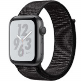 Smartwatch Watch 4 Nike Plus GPS 44MM Aluminiu Negru Si Curea Sport Loop Negru, Apple