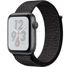 Smartwatch Watch 4 Nike Plus GPS 40MM Aluminiu Negru Si Curea Sport Loop Negru, Apple