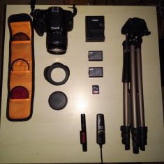 DSLR CANON 1200D + accesorii + trepied 1400 LEi