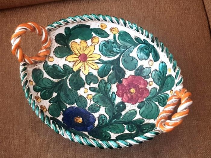 Cos - farfurie maniera DERUTA Italia  ceramica smaltuita  pictata manual