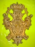 B590-Heraldica regala vintage cu blazon Coroana si Lei.