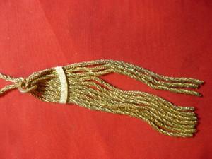 Lant cu ciucure -impletitura zale aurii si argintii ,L=32,5cm