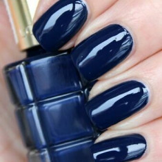 Lac de unghii L'Oreal Paris Color Riche Vernis a L'Huile 668 Bleu Royal 13.5ml