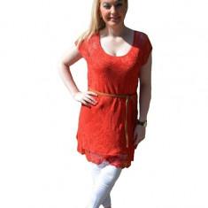 Bluza lejera, tinereasca de vara cu aspect de dantela, rosie