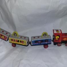 Jucarie veche,Trenulet cu 3 vagoane tabla,50 cm lungime,de COLECTIE,T.GRATUIT