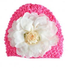 Turban ciclame cu trandafir alb