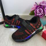 Cumpara ieftin Adidasi negri cu lumini LED si scai pt baieti / fete 26 27 28 29 30 cod 0775, Unisex