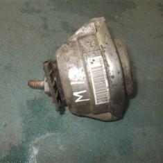 Suport motor dr BMW Seria 5 E60 , an 2003-2009 cod 6774619