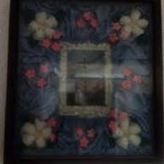 Tablou original natural cu flori si icoana in centru