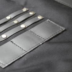 Sort din textil negru si piele neagra pentru coafor/frizerie