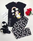 Pijama dama ieftina bumbac lunga cu pantaloni lungi bleumarin si tricou negru cu imprimeu Unicorn Music