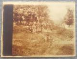 Fotografie de grup la padure// Barnova, Iasi, 1 mai 1923