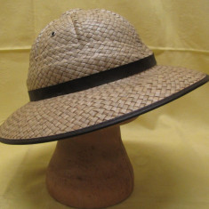 Pălărie pai colonială