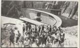 Hidrocentrala de pe Arges, elevi la Barajul Vidraru, fotografie originala 1971