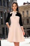 Rochie de zi eleganta bicolora in clos cu funda stilizata la baza gatului