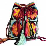 Geantă croșetată manual, ornamentată cu motivele populare din Maramureș
