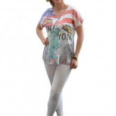 Tricou subtire, de vara cu imprimeu deosebit multicolor in fata