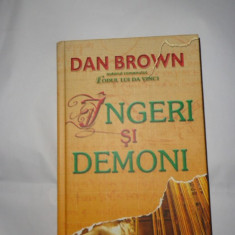 INGERI SI DEMONI = CARTONATA = DAN BROWN